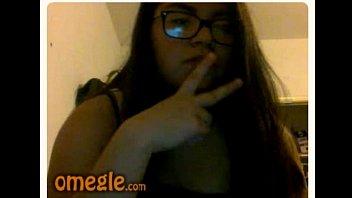 Chubby girl plays the Omegle game