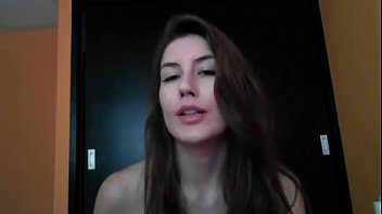 Sexy Camgirl Loves Her Dildo